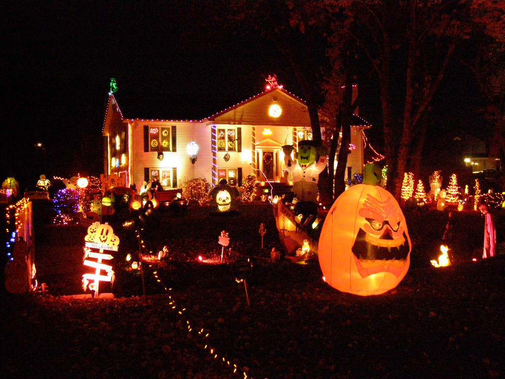 decoration-maison-halloween-lumieres